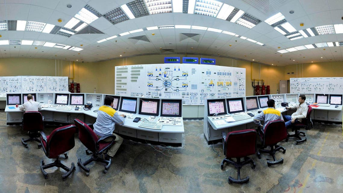 Iranian technicians, work with foreign colleagues at the Bushehr Nuclear Power Plant, just outside the southern port city of Bushehr. (File photo: AP)