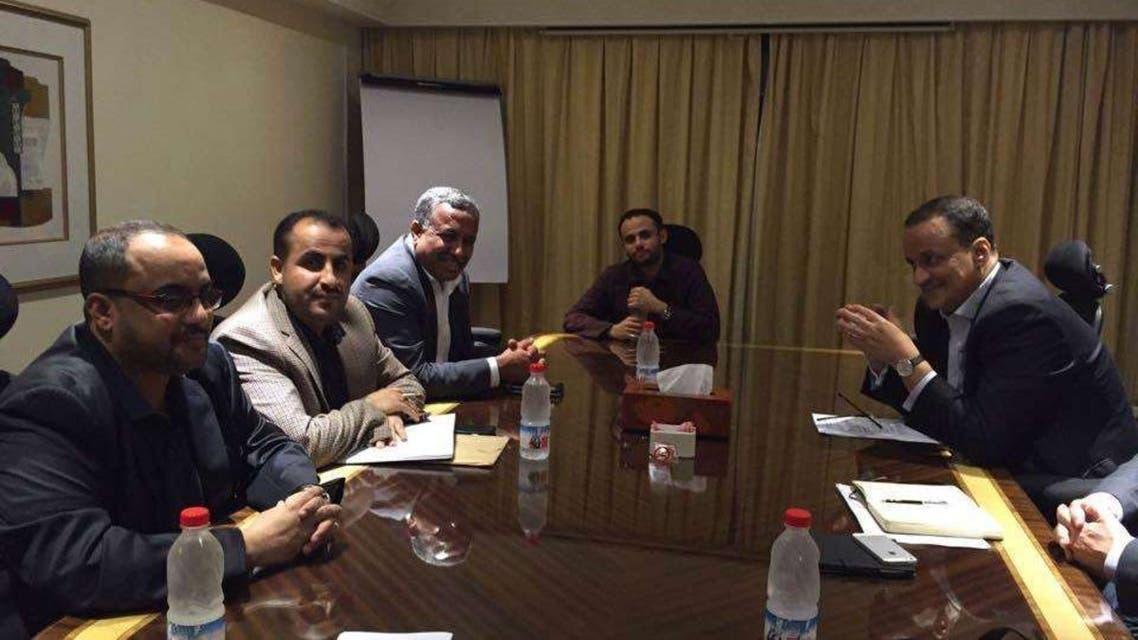 صورة تناقلتها مواقع للقاء ولد الشيخ أحمد بالانقلابيين المبعوث الأممي الانقلابيون الحوثيون الحوثيين