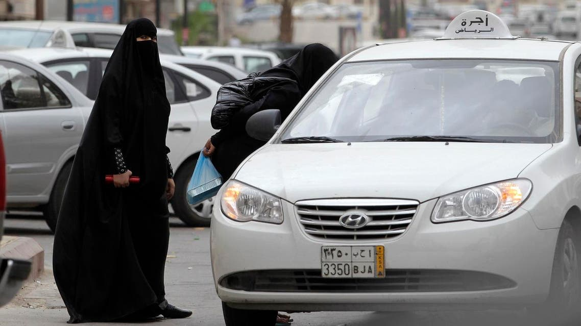 Saudi women board a taxi in Riyadh, Saudi Arabia, Tuesday, May 24, 2011. (AP)