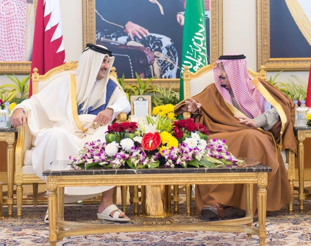 Saudi King Salman bin Abdulaziz meets with Qatar's Emir Sheikh Tamim bin Hamad al-Thani (SPA)