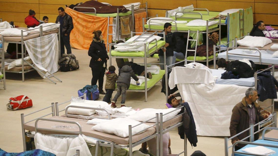 لاجئون في مركز إيواء في برلين المانيا لاجئين لجوء مهاجرين