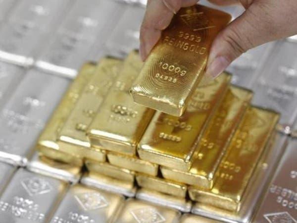 الفضة ترتفع لأعلى مستوى في 10 أشهر وتدفع الذهب للصعود