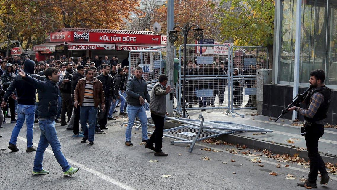 من أعمال العنف بين المتمردين الأكراد والقوات التركية تركيا كردي