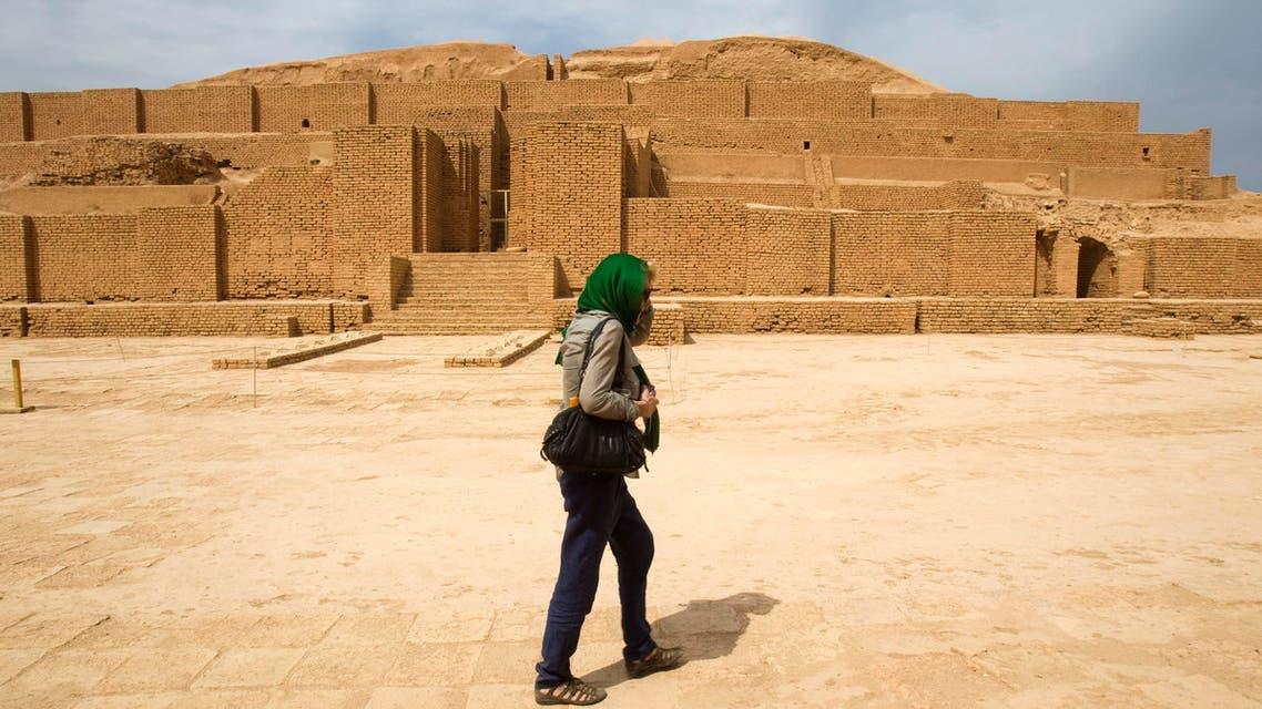 A tourist visits the the Chogha Zanbil Ziggurat near Susa, in Khuzestan province, southwestern Iran September 29, 2011. (Reuters)