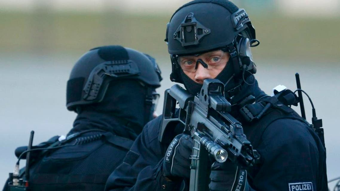 Members of German federal police Bundespolizei demonstrate their skills during a presentation of the new unit for arrests and securing evidence (BFE) in Ahrensfelde near Berlin, Germany December 16, 2015 | Reuters