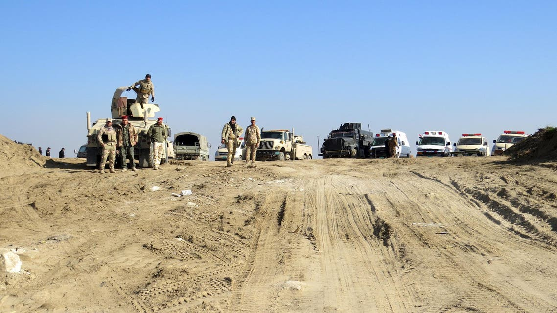 Iraqi security forces gather to advance towards the center of Ramadi city, December 22, 2015. Picture taken December 22, 2015. Reuters