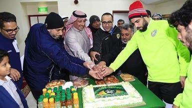 """الخليج يحتفل بـ""""النصر"""".. ويغادر إلى عجمان"""