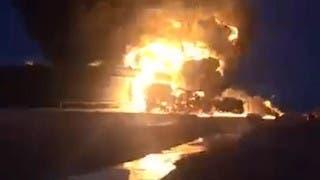 النيران تمتد لخزان نفط سابع بالمنطقة النفطية في ليبيا