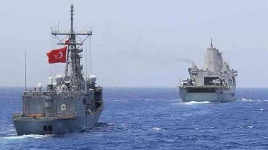 سفينة قبالة تركيا