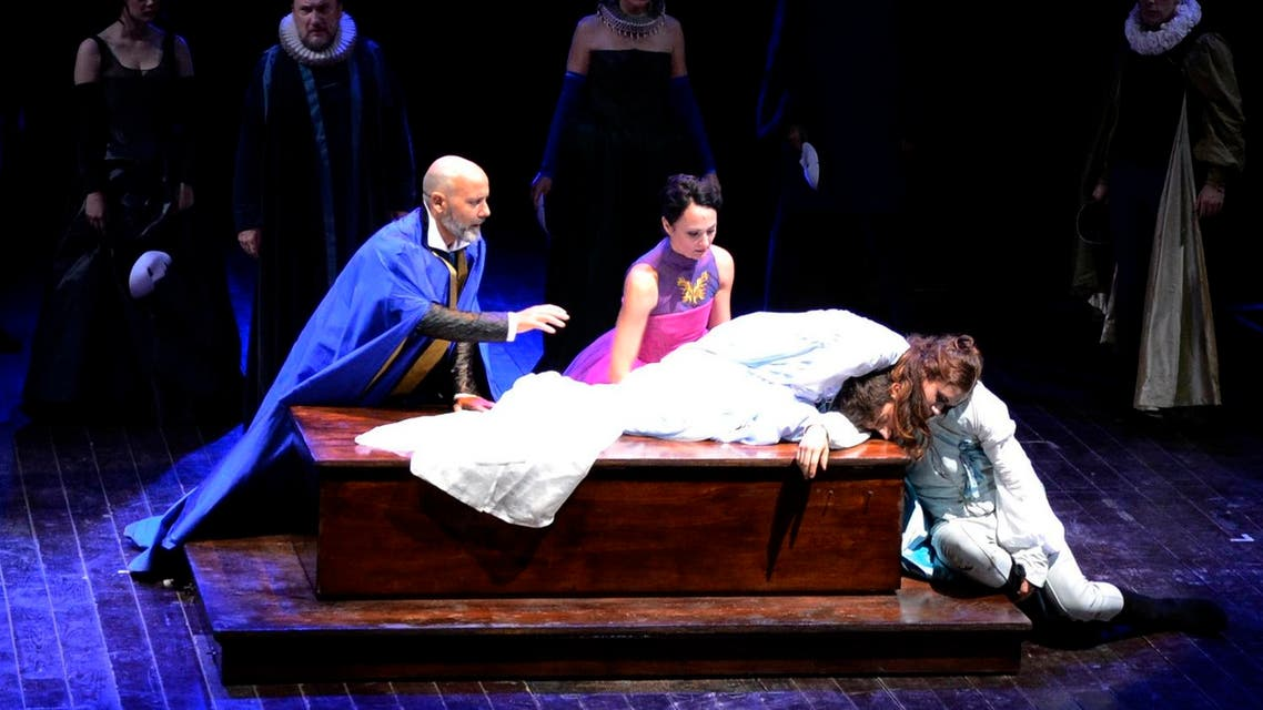 """Actors perform in William Shakespeare's """"Romeo and Juliet"""" at the Silvano Toti Globe Theatre in Rome, Thursday, July 11, 2013. (AP)"""