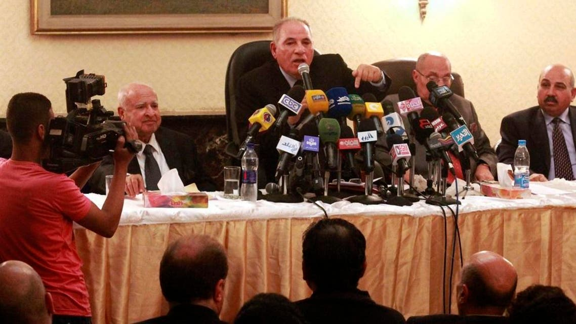 The head of the powerful Egypt Judges Club Ahmed el-Zind, center, speaks at a press conference. (File photo: AP)