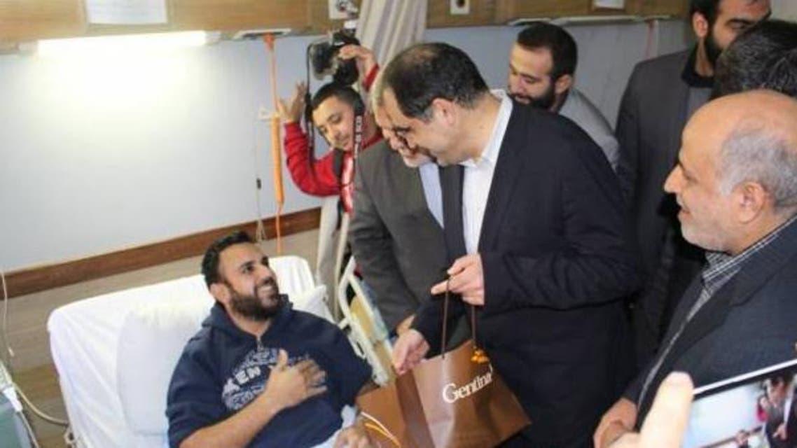 وزير الصحة الإيراني يزور جرحى حزب الله في سوريا