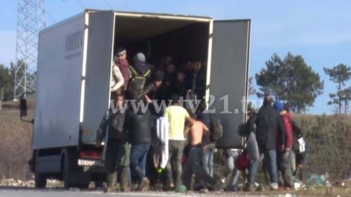 مقدونا شاحنة لاجئين