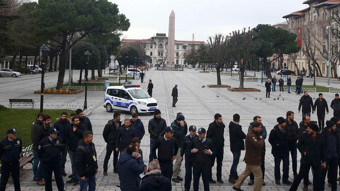 Police and security services secure the area around the Obelisk of Theodosius at Sultanahmet square in Istanbul, Turkey January 13, 2016. (Reuters)