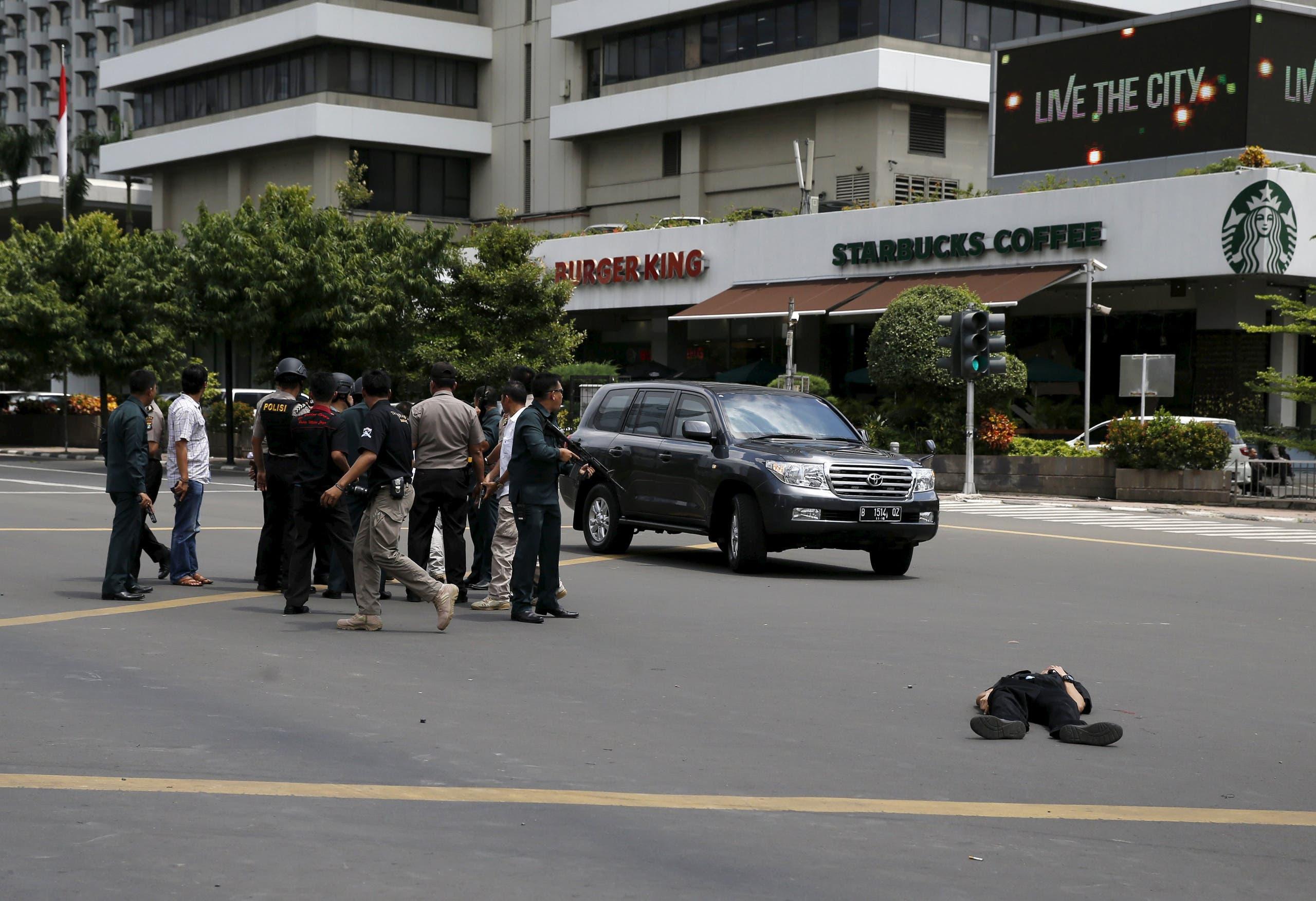 الشرطة في موقع هجوم سابق بالعاصمة جاكرتا