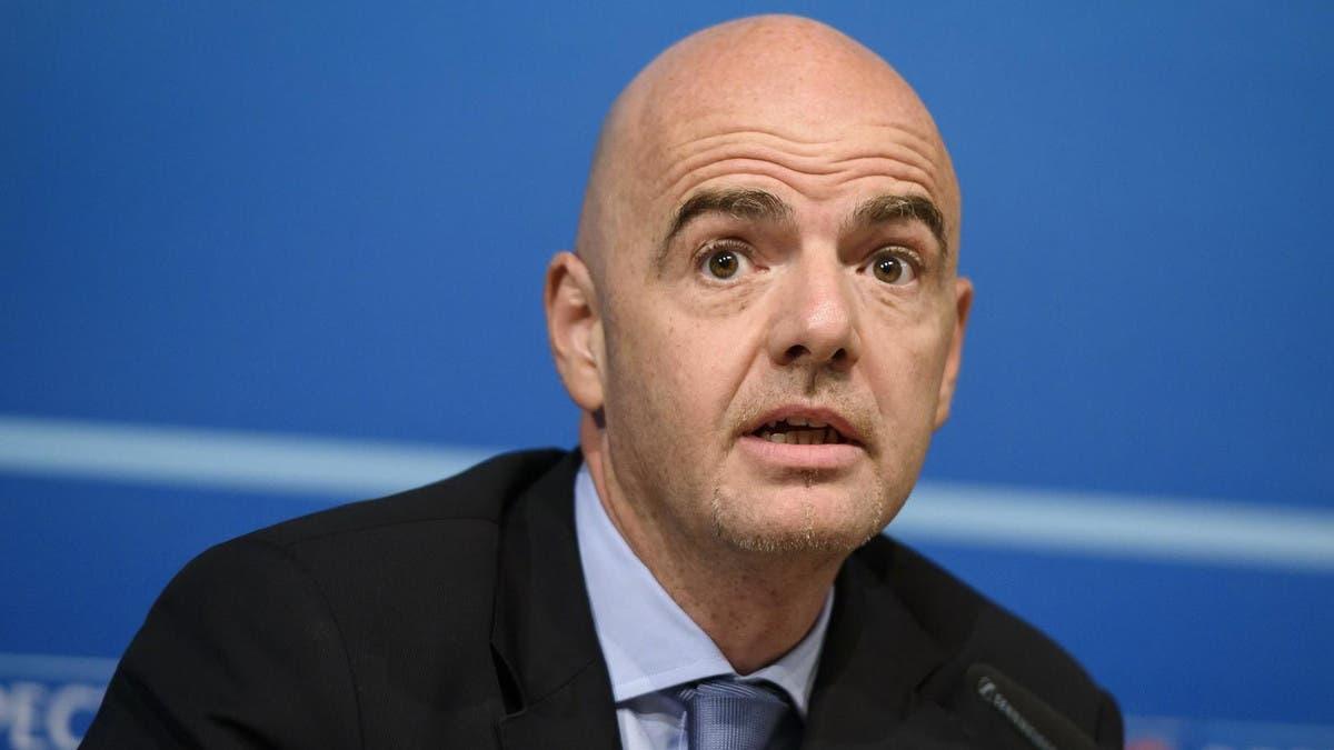 إنفانتينو: نسعى لتوزيع تنظيم مونديال 2022 على دول أخرى
