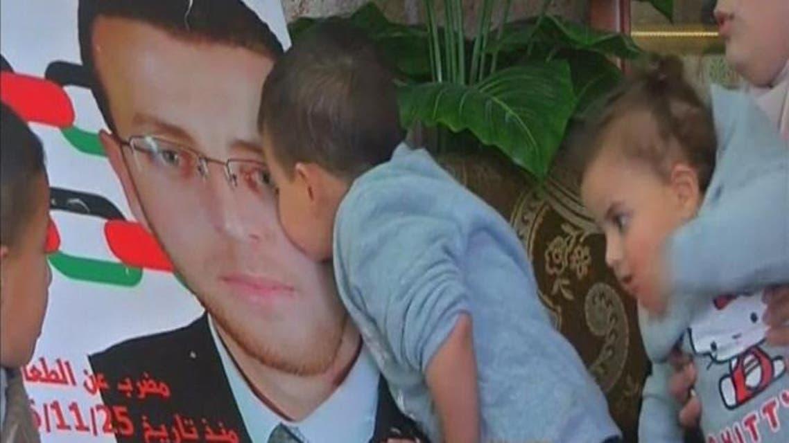 THUMBNAIL_ الأسير محمد القيق يخل يومه الـ60 في إضرابه عن الطعام