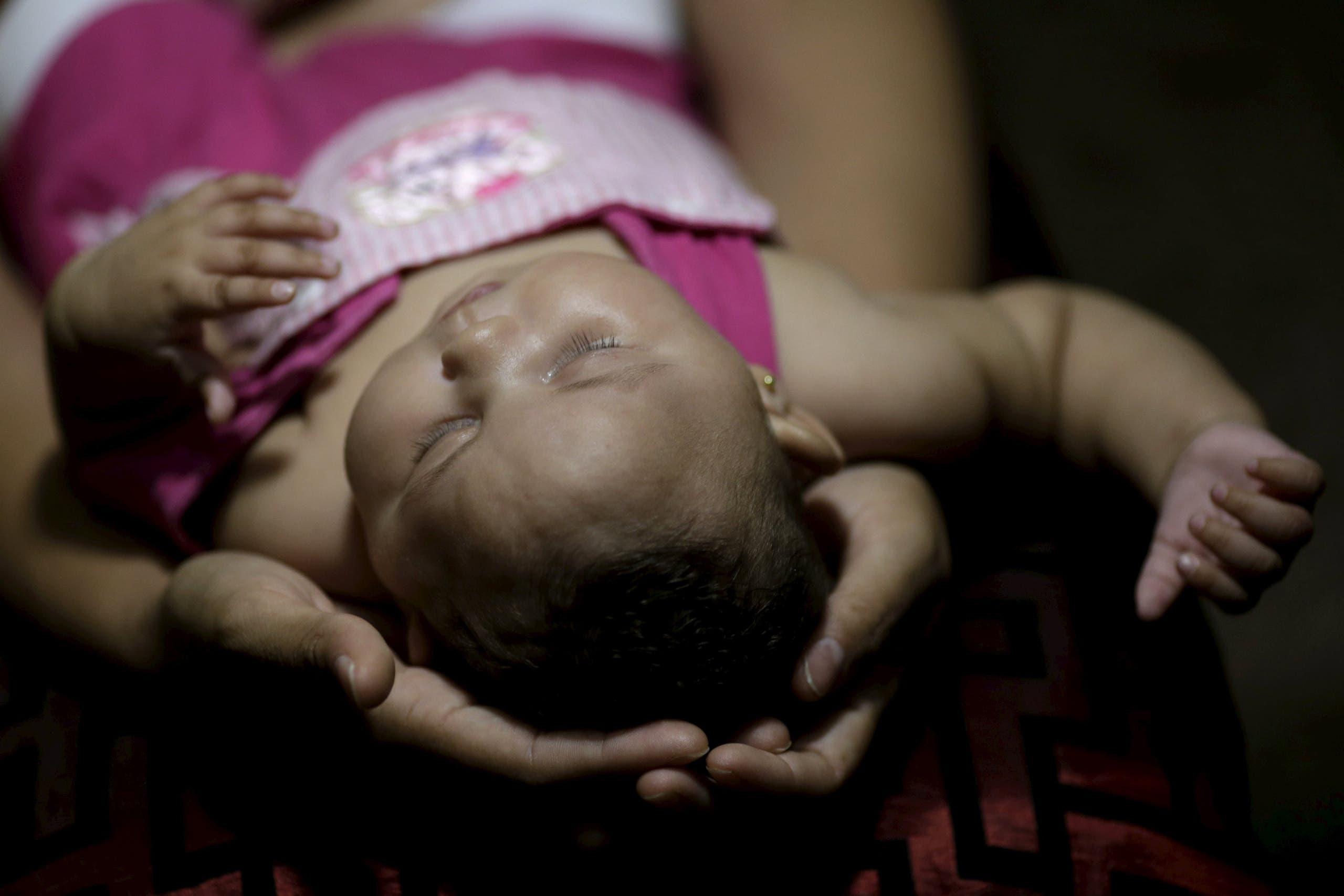 ... ذلك الوقت لكن مع ظهور وتفشي المرض في جزيرة ميكرونيزيا عام 2007 عاد الاهتمام العلمي لفيروس quotزيكاquot، ثم اجتاح الفيروس مؤخراً منطقة الكاريبي والبرازيل.