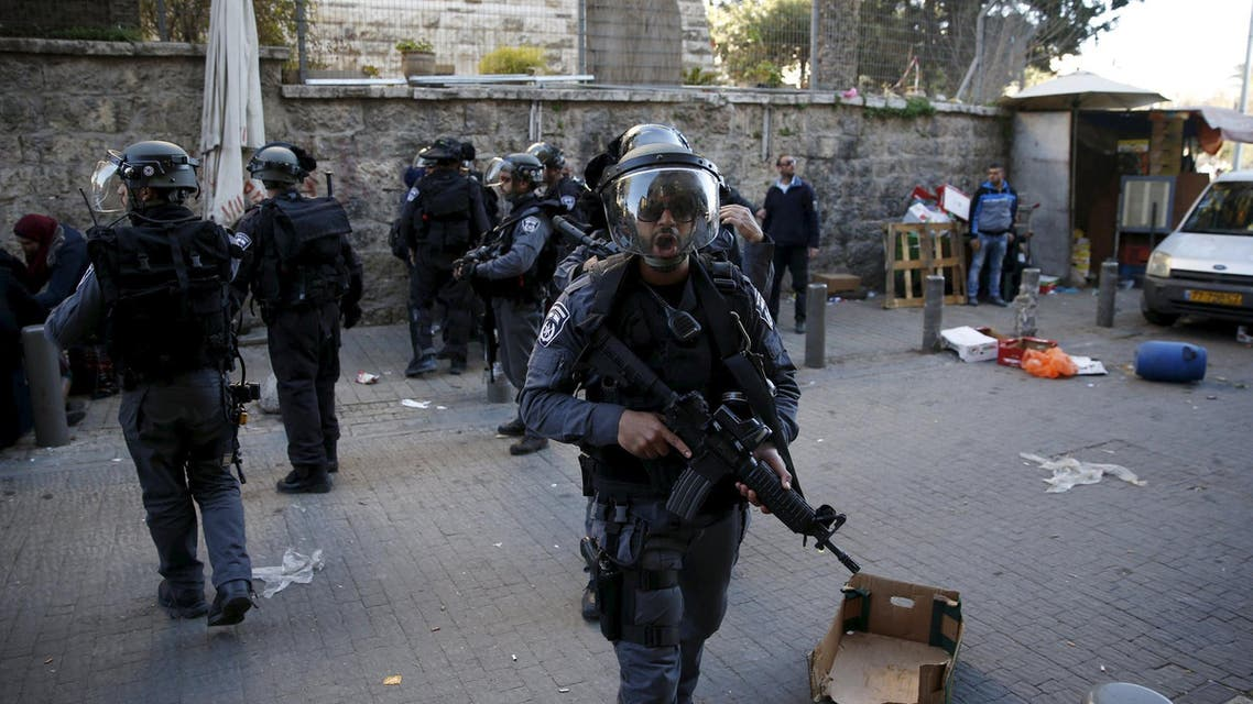 Israeli police secure an area near the scene where three Palestinians were shot dead by Israeli police after carrying out what Israeli police spokesman said, a shooting and stabbing attack outside Damascus gate to Jerusalem's old city February 3, 2016. REUTERS/Ronen Zvulun