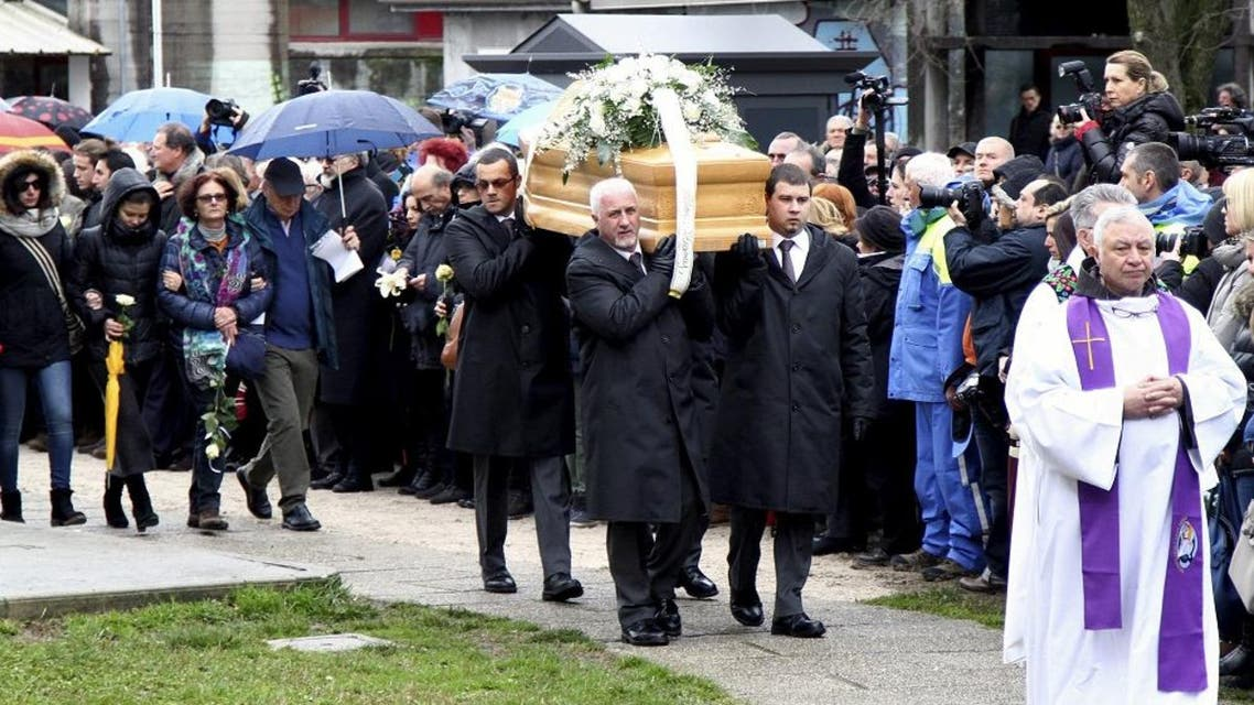 The coffin of Italian student Giulio Regeni is carried during his funeral in Fiumicello, northern Italy, February 12, 2016. Italy demanded on Monday that Egypt catch and punish those responsible for the death of Regeni, whose body found tortured by a roadside in Cairo, and the Egyptian government dismissed suggestions its security services could have been involved. REUTERS/Stringer