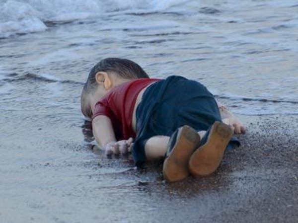 أتذكرون إيلان.. طفل سوريا المرمي جثة على شاطئ رقد بسلام
