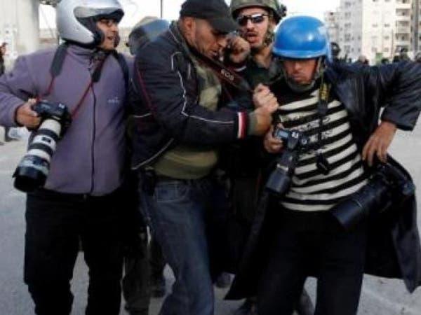 العراق.. قوة أمنية تعتدي على الصحفيين في الرمادي