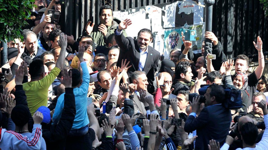 سعد الحريري بعد تأدية صلاة الجمعة في الطريق الجديدة