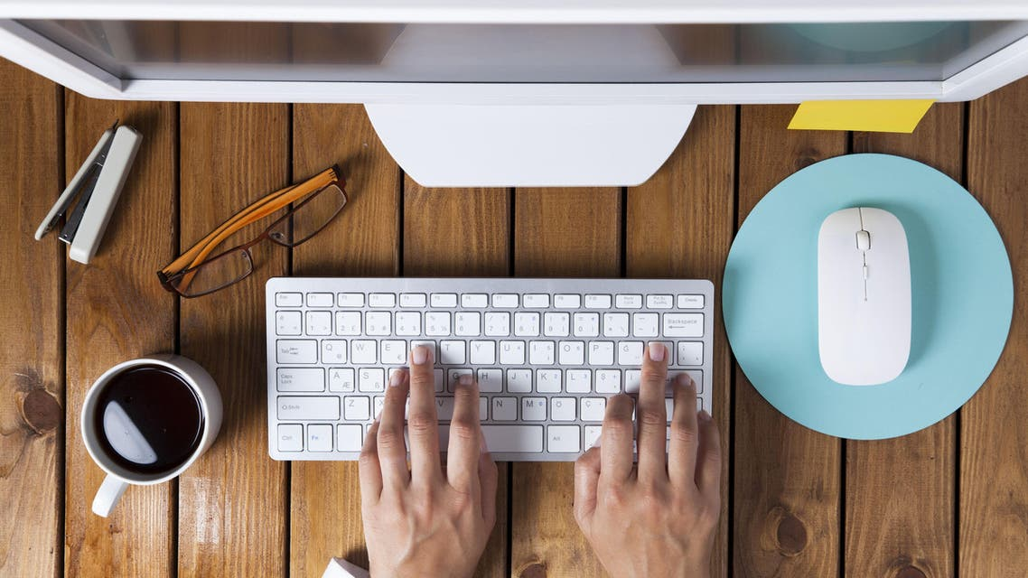 Desk (Shutterstock)
