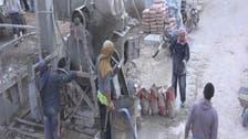 السوريون يشرعون في بناء منازلهم التي دمرها القصف