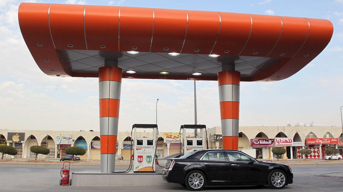 A driver waits to fill his car with fuel at a petrol station in Riyadh, Saudi Arabia, in this December 22, 2015 file photo. (Reuters)