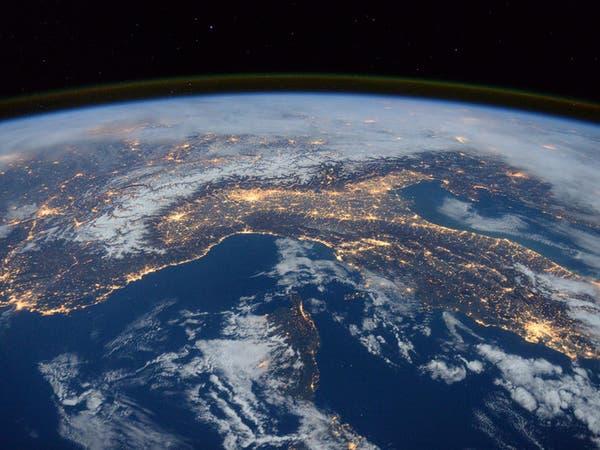 ناسا تبدأ البحث عن أصل الحياة الأرضية.. في الفضاء