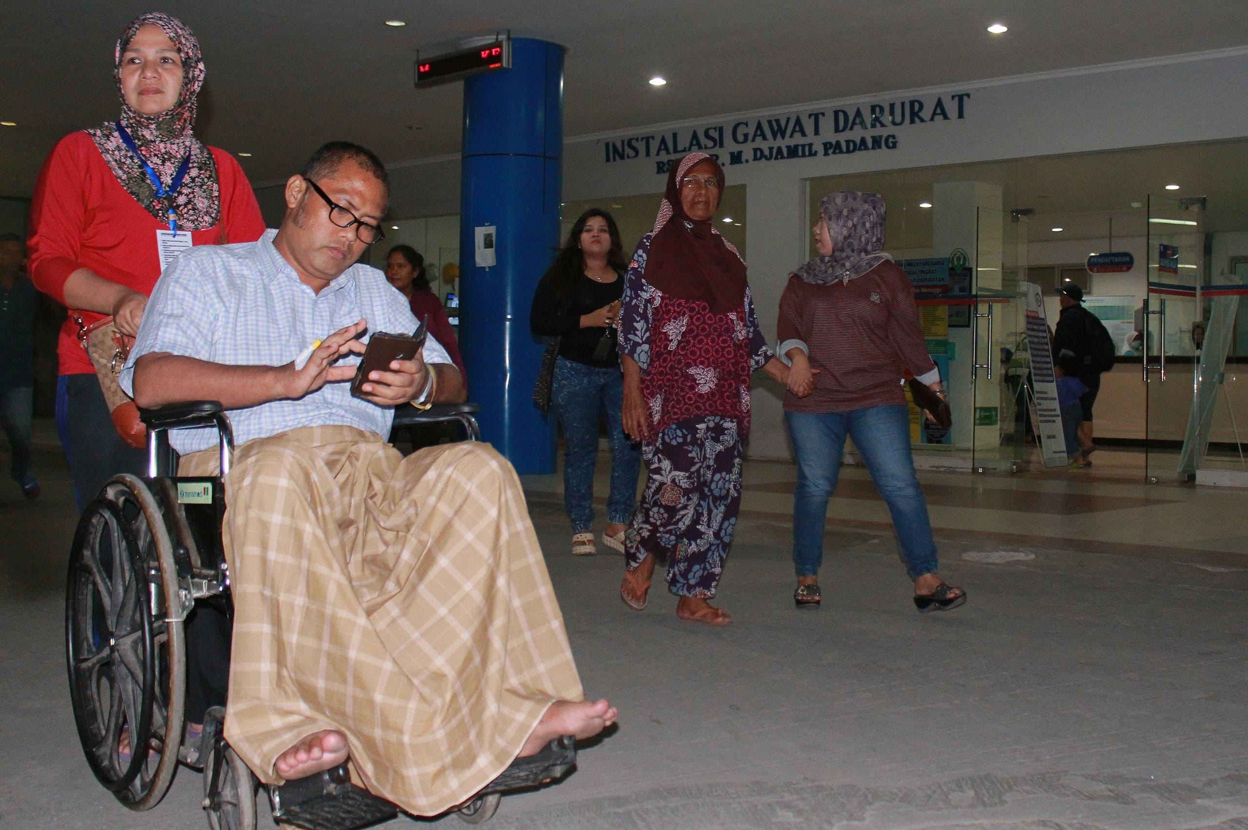 Aftershocks rock Indonesia after massive quake