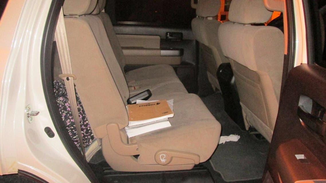 السيارة التي حاولت الفتاة الأجنبية من خلالها دخول للسعودية