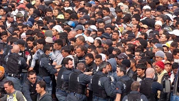 العرب والمسلمون يعودون الى غزو أوروبا بجيش جنوده ملايين اللاجئين