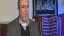 خطاط سوري ينجز أول مصحف في العالم بخطوط الذهب