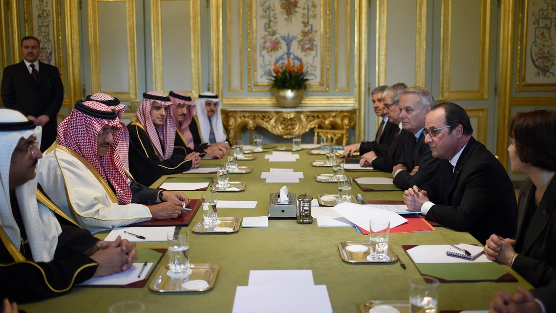French President Francois Hollande (2ndR) and Foreign Minister Jean-Marc Ayrault (3rdR) meet with Crown Prince Mohammed bin Nayef of Saudi Arabia (2ndL) at the Elysee Palace in Paris, France, March 4, 2016. (Reuters)