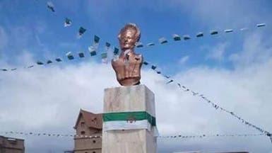 جزائريون يطالبون بإزالة تماثيل مسيئة لشخصيات تاريخية