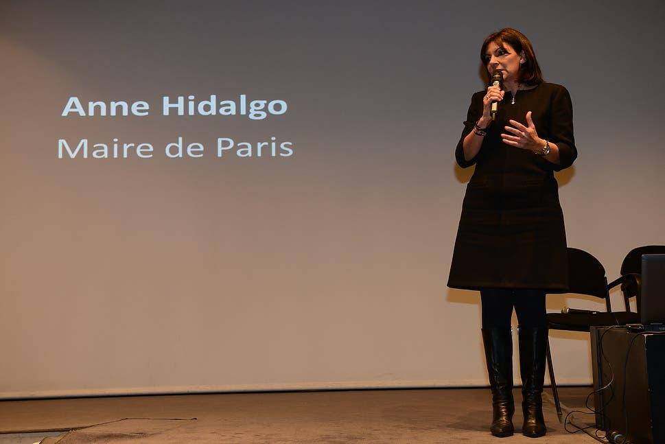 رئيسة بلدية باريس آن إيدالغو
