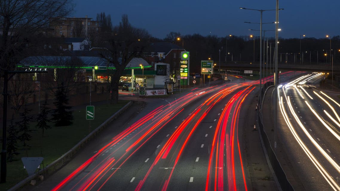 Traffic passes a BP gas station on the North Circular Road in London, Britain January 28, 2016. (Reuters)