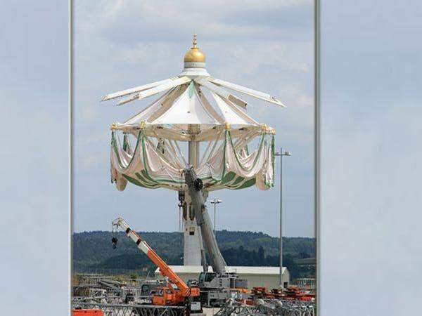 ساحات المسجد الحرام تتزين بأكبر مظلات في العالم