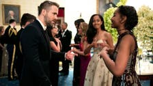 Picture of Sasha and Malia meeting Ryan Reynolds goes viral