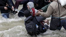 Macedonia sends back refugees who pushed their way in