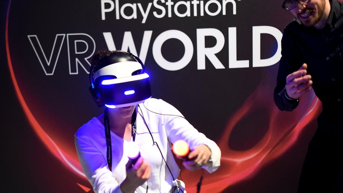 A woman demos Sony's PlayStation VR during an event in San Francisco, California March 15, 2016. (Reuters)