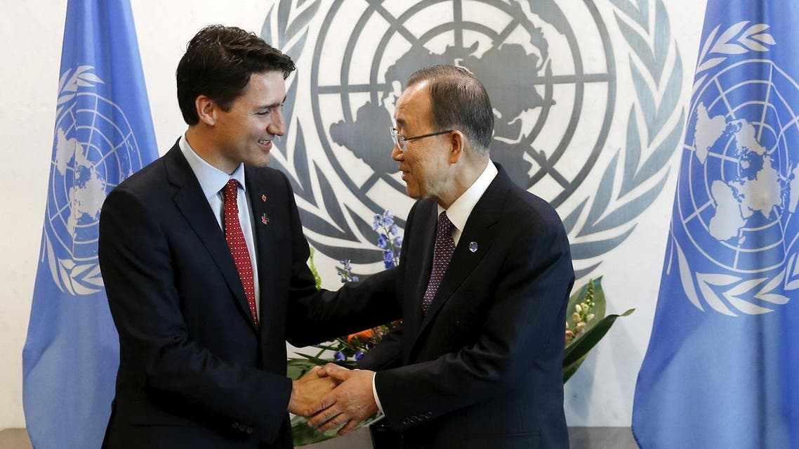 Canadian Prime Minster Justin Trudeau (L) shakes hands with United Nations Secretary General Ban Ki-moon during a photo opportunity at United Nations Headquarters in the Manhattan borough of New York, March 16, 2016. REUTERS