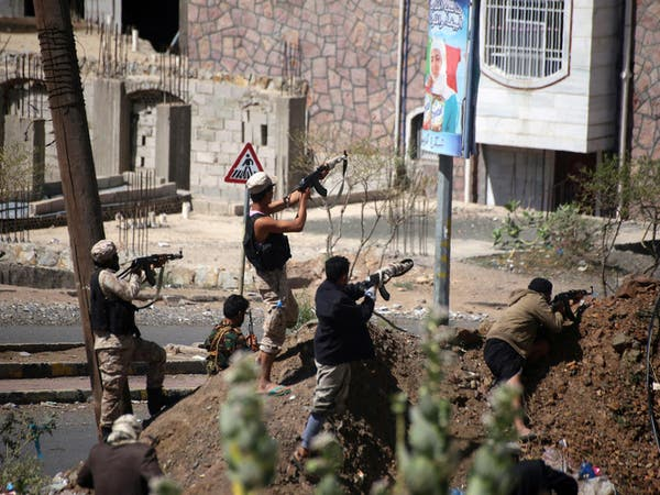 اليمن.. طائرات التحالف تدمر معظم ترسانة الميليشيات بتعز
