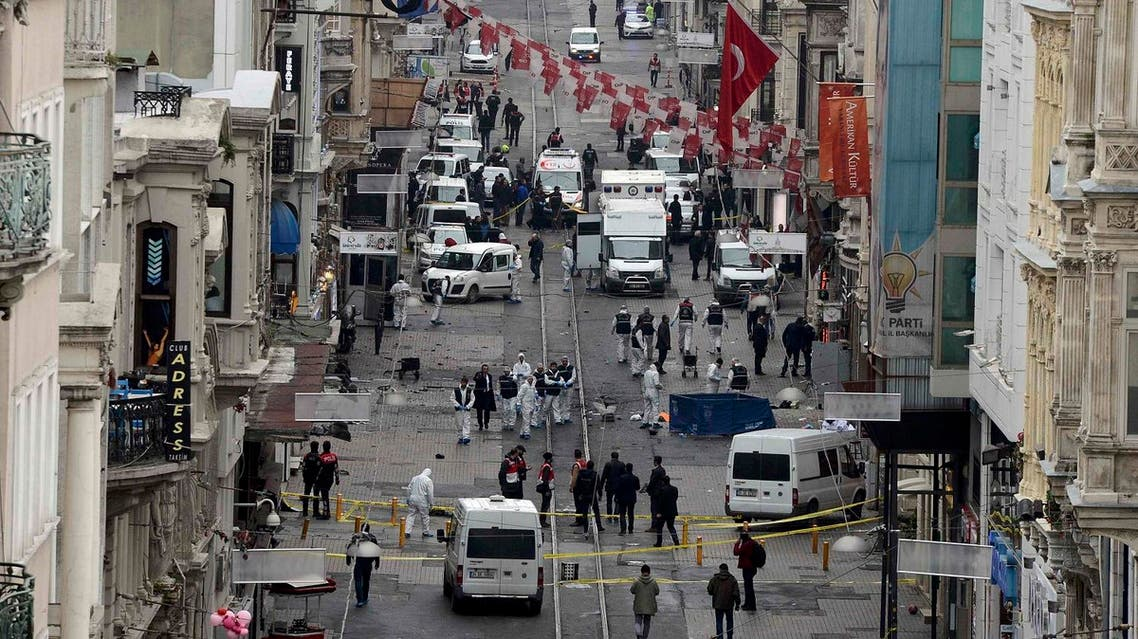Police forensic experts inspect the area after a suicide bombing in a major shopping and tourist district in central Istanbul March 19, 2016. REUTERS