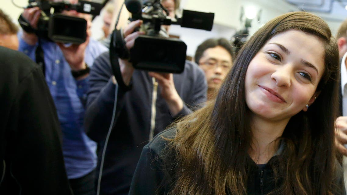 Syrian swimmer Yusra Mardini poses after a news conference in Berlin, Germany March 18, 2016 (Reuters)