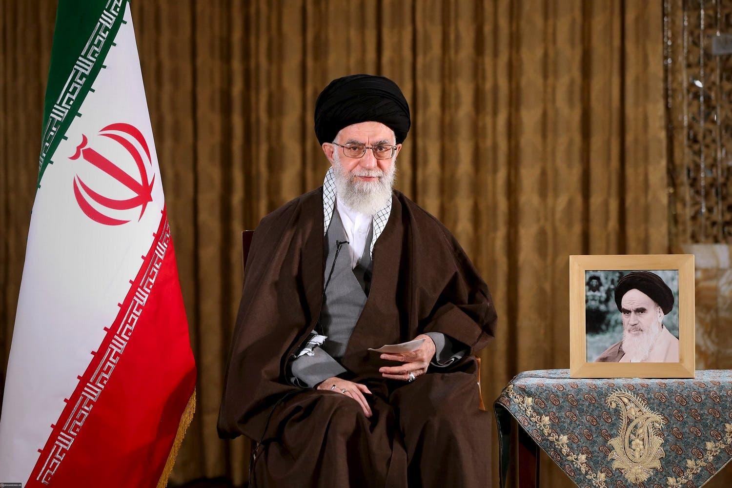 Iran's Supreme Leader Ayatollah Ali Khamenei poses before delivering a speech marking Nowruz, Iranian new year, in this handout photo released by the Iranian Supreme Leader website on March 20, 2016. REUTERS/leader.ir