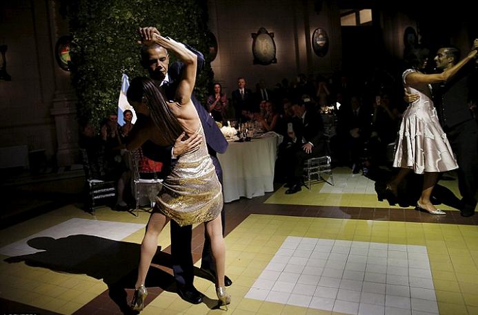 رقص رئاسي بامتياز في المركز الثقافي ببوينس آيرس
