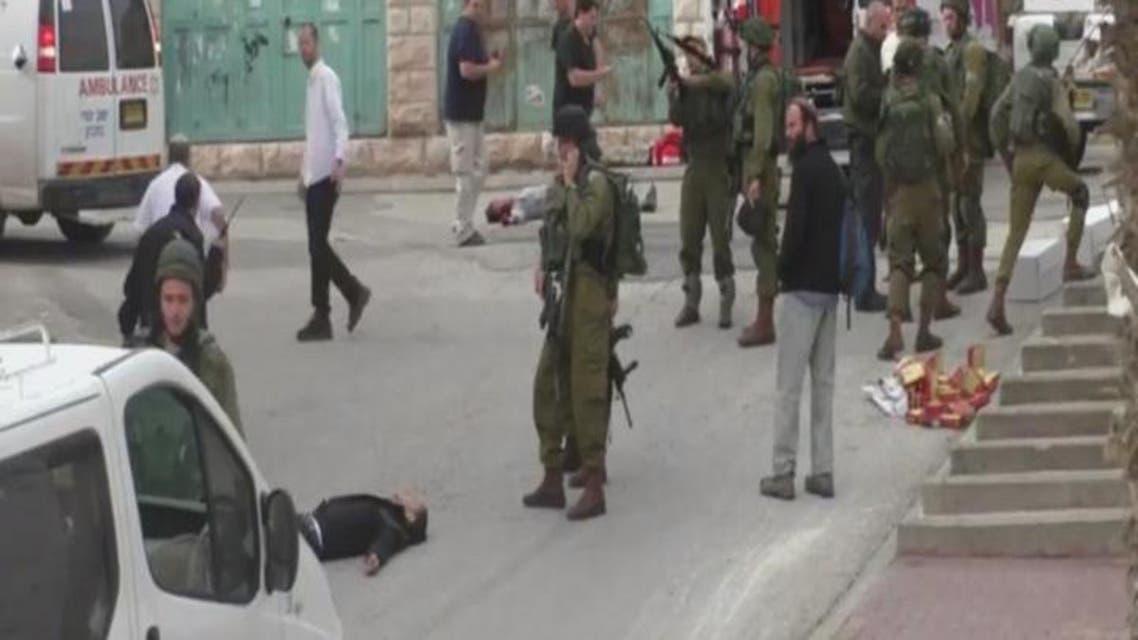 THUMBNAIL_ الخليل.. أُسعف الإسرائيلي.. وأُعدم الفلسطيني